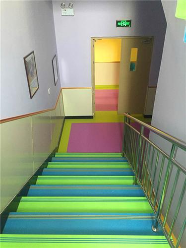 幼儿园楼梯踏步