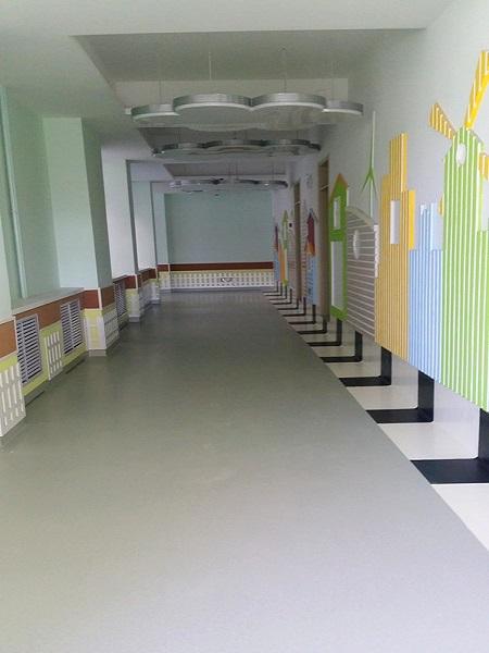 走廊带上墙